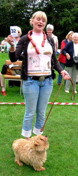 The champion sausage-catcher,  for the second year running was Carolyn Howe's Norfolk 'Teddy'.  'Teddy' also won his class as 'the most handsome dog'.  Well done, Teddy!