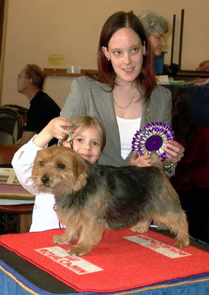 Best Junior Handler 6-11 years was  Jennifer Tobijanski with Tilly (Jaeva News Flash)