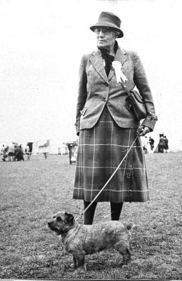 Norfolk Terrier History - Miss Macfie with her record breaking Bitch C.C. winner Ch Banston Belinda. This record lasted until 1996.