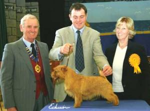 Kinsridge Free and Easy BIS and BPIS Jon Rudkin, Richard Allen, co owner  and Judge Mrs Dot Britten (Photo Ed Morgan)